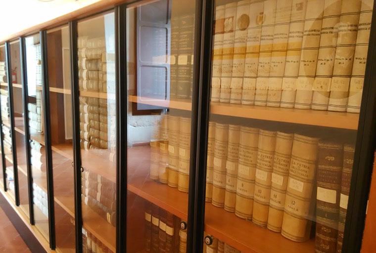"Biblioteca Civica ""Mons. Briscese"" - Venosa"