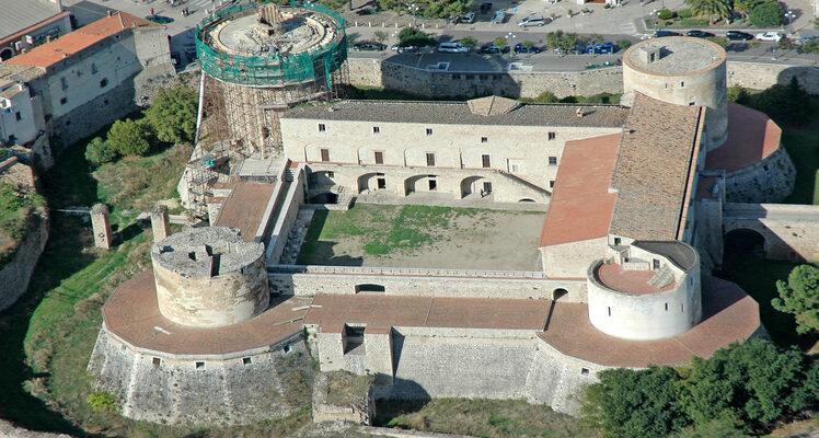 Castello ducale del Balzo di Venosa